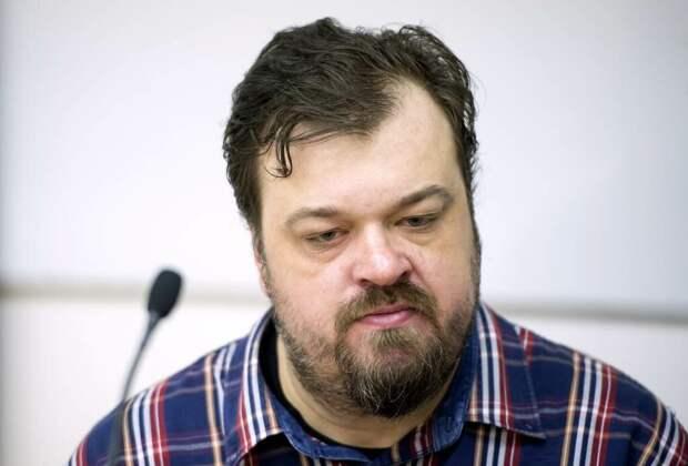 Василий Уткин не понимает, что еще должно произойти, чтобы власти начали тратить деньги из Фонда национального благосостояния