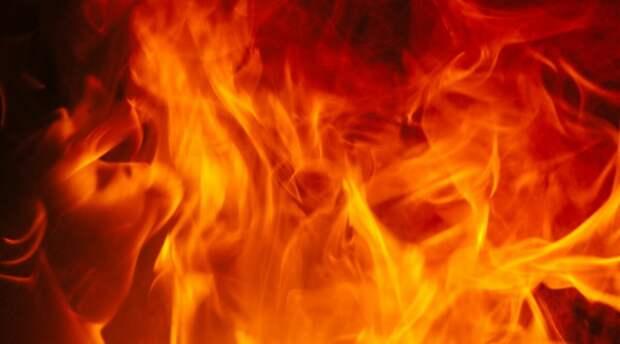 """""""Меж двух огней"""" по-английски : 5 идиом со словом FIRE"""
