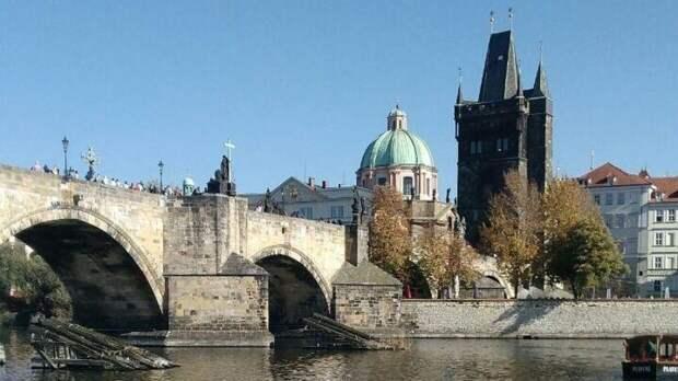 Сенатор Цеков предложил ввести экономические санкции против Чехии