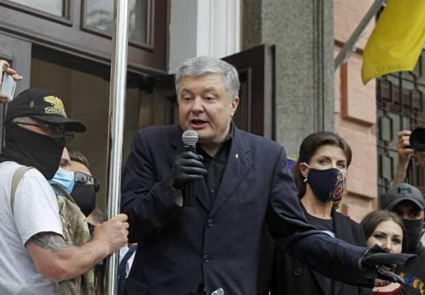 Порошенко встретился во Львове с семьями жертв Революции Достоинства