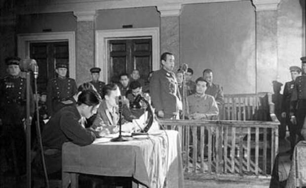 На фото: Отодзо Ямада в суде во время Хабаровского процесса, 1949 год.