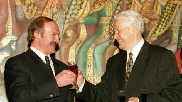 Лукашенко перепутал Путина с Ельциным и уехал с кашкой на воде
