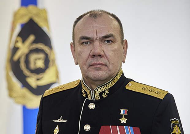 Командующий Северным флотом поздравил  воинов-североморцев с Днём России