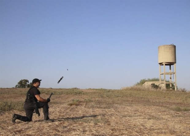 Израильтяне представили карманный беспилотник капсульного запуска