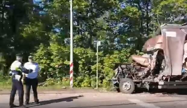 Пробка на въезде в Рязань образовалась из-за столкновения фур