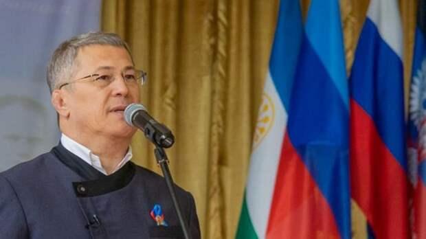 Бюст Герою России Минигали Шаймуратову открыли в ЛНР