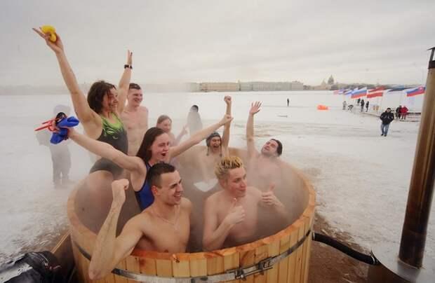 На Камчатке и Чукотке крещенское купание организовано в горячих источниках.
