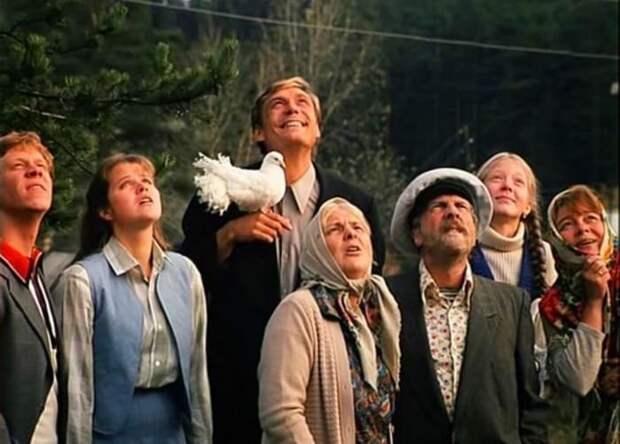 За кадром фильма «Любовь и голуби», вырезанные сцены Любовь и голуби, факты о любовь и голуби
