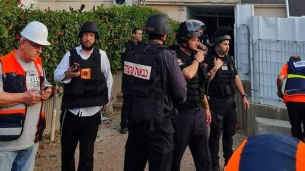 Палестинец пытался протаранить солдат Израиля автомобилем