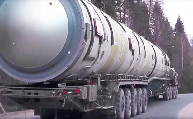 """На фото: российский ракетный комплекс наземного шахтного базирования РС-28 """"Сармат"""" с тяжелой жидкостной межконтинентальной баллистической ракетой """"Сармат""""."""