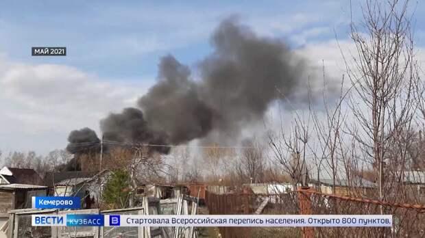 Сразу пять домов за ночь сгорели в кемеровском садоводческом обществе