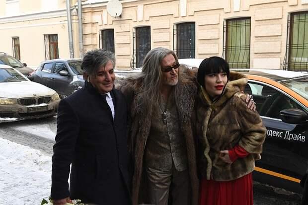 Плюс миллион: экс-адвокат Михаила Ефремова обогатился на деле актера