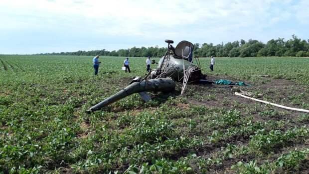 Один человек умер при падении вертолета Robinson в Архангельской области