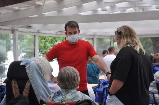 Дмитрий Певцов выступил за расширение помощи инвалидам. Автор фото: Надежда Петрова