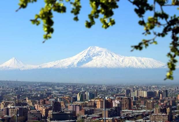 Журналисты из Крыма оценили обстановку в Ереване в период военного конфликта в Нагорном Карабахе