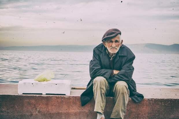 Психолог объяснила трудности в общении с пожилыми родителями
