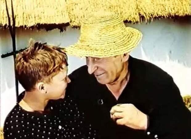 Два Сергея – Мартинсон и Тихонов. Кадр из фильма «Сказка о Мальчише-Кибальчише», 1964 г.