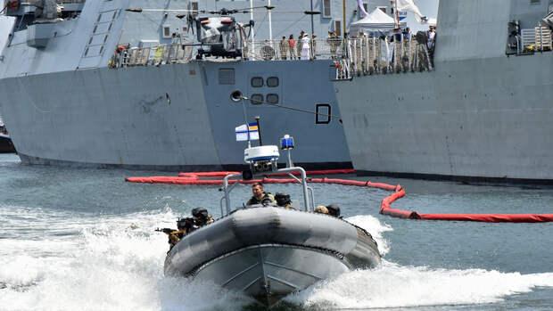 МИД РФ: Запад направляет военные корабли в Черное море для роста напряженности