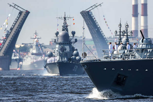 Путин подписал указ об изменении флагов ВМФ России