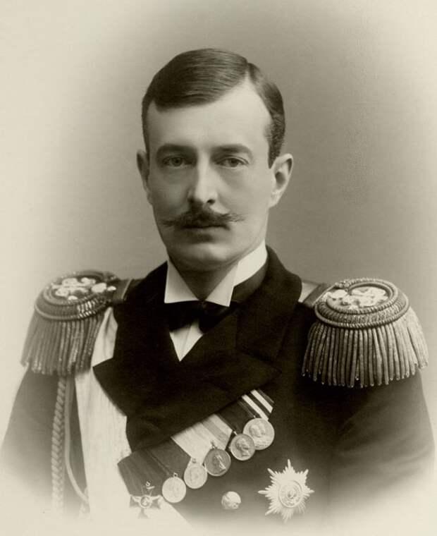 Нацледники престола: Романовы видели в Гитлере прекрасный шанс для возвращения в Россию