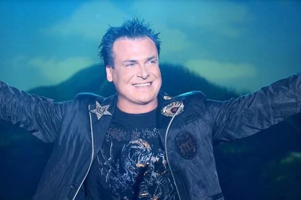 Невесту певца Юлиана «подставили» в эфире телешоу Андрея Малахова