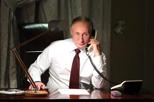 Путин ответил Меркель на требование не стягивать войска к Украине