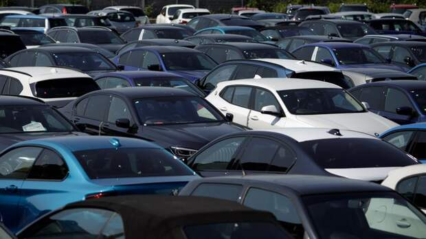 Объявлен график эвакуаций нарушителей парковки в Петербурге на 5-8 августа