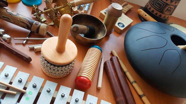 Как преодолеть аутизм и последствия инсульта музыкальной терапией