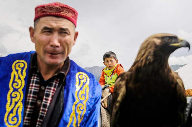 Казахский исход. Назарбаев был гарантом национального мира. С его уходом русскоязычные начинают уезжать