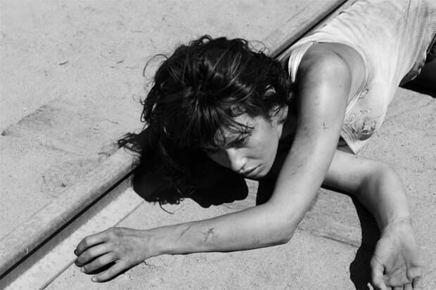 Ольга Куриленко (Olga Kurylenko) в фотосессии Грега Уильямса (Greg Williams) (2008), фото 15