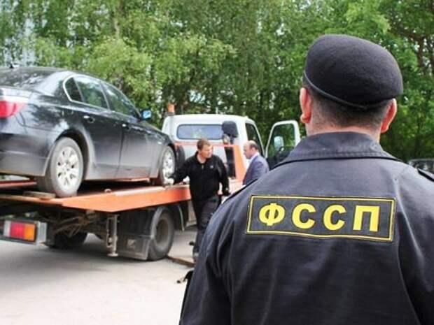 В России более 1 млн человек попали в число невыездных из-за долгов по кредитам