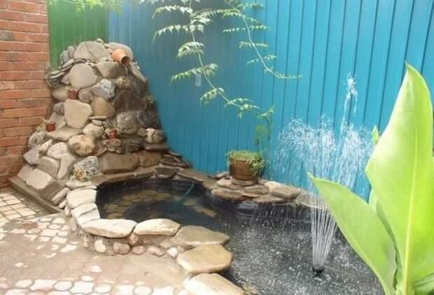 Шикарный пруд у себя во дворе
