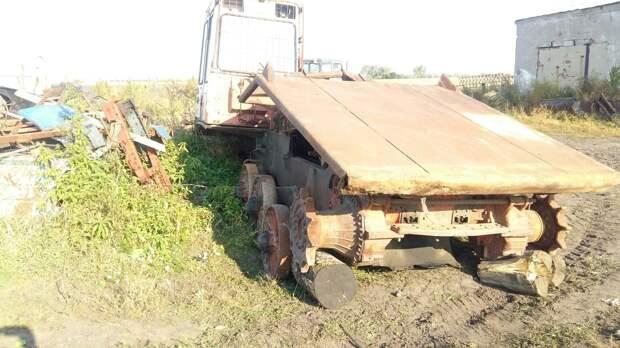 В Глазовском районе мужчину насмерть придавило ковшом трактора