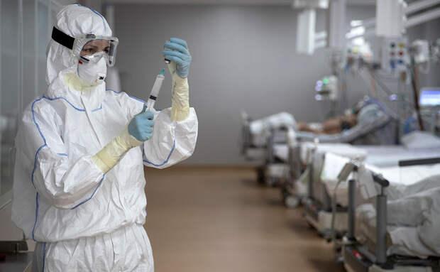 Американские ученые выяснили причину появления «мозгового тумана» у пациентов с COVID-19