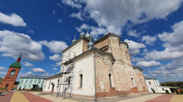 Побывали в Кременском Вознесенском монастыре под Волгоградом. Рассказываю какие православные святыни там находятся