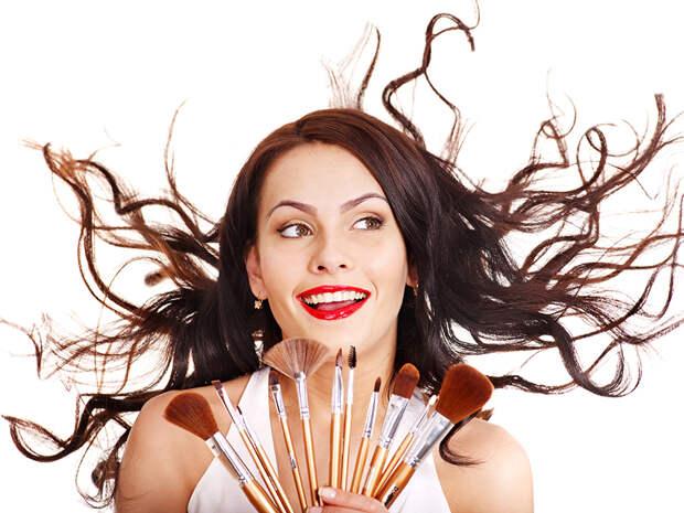 Как часто нужно менять косметику?
