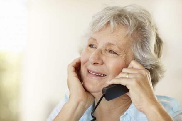 Разговор с мамой: почему лучше отвечать на звонки родителей