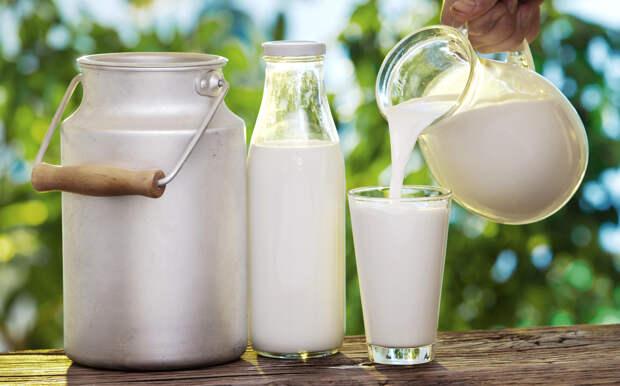 А молоко-то не настоящее (не превращается в простоквашу, становится горьким). Из чего сейчас делают молоко