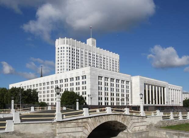 Путин возложил вину за неполное начислений «коронавирусных» доплат медикам на правительство