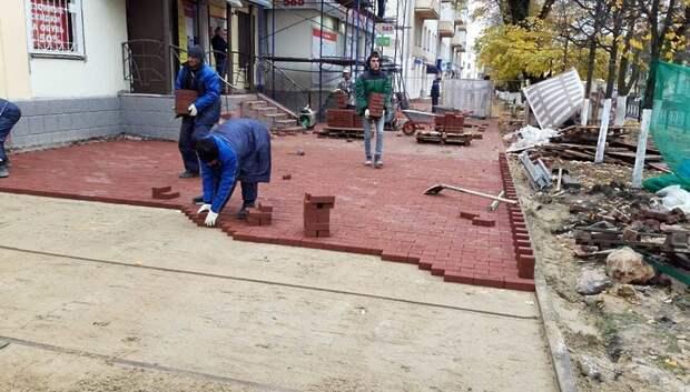 Более 3,1 тыс кв м тротуаров отремонтируют на Революционном проспекте