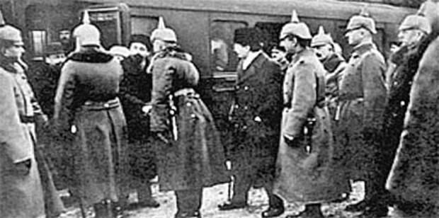 Распломбированный вагон. К 99-летию выезда Ленина в Россию