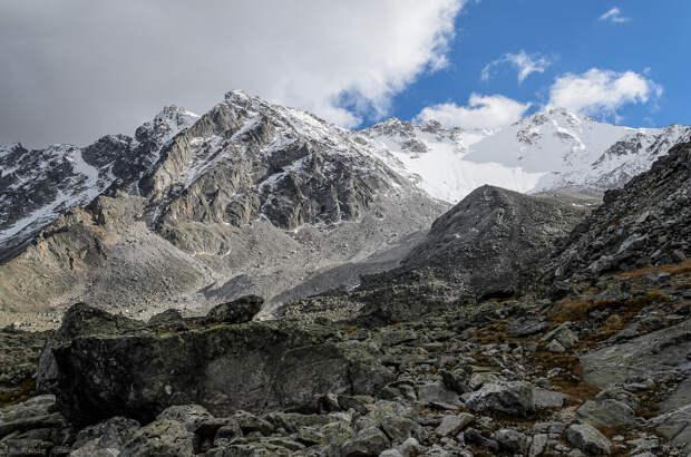 Безбашенное восхождение по леднику на вершину вопреки здравому смыслу. Не повторять!