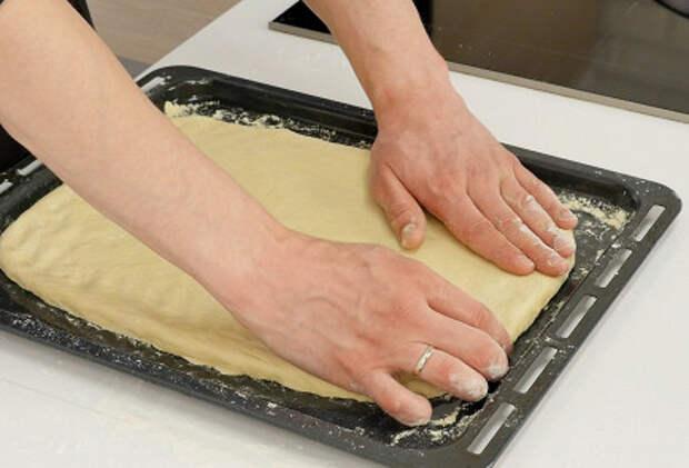 Фото приготовления рецепта: Писсаладьер - шаг 3