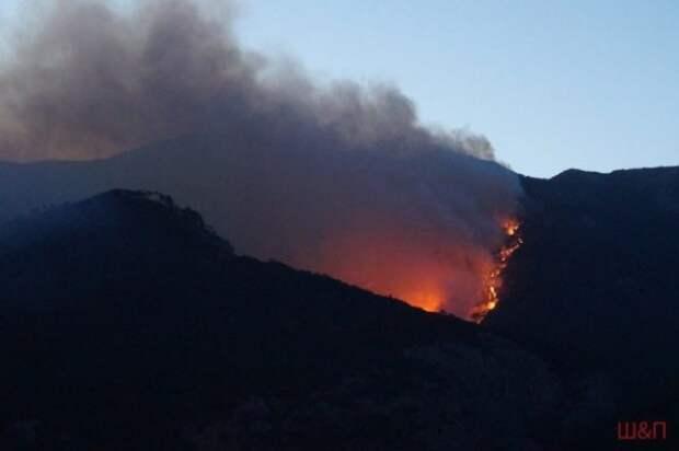 Кадры страшного пожара в Крыму (ФОТО)