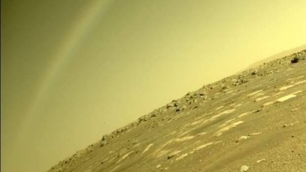Американский БПЛА-вертолет поднялся над поверхностью Марса
