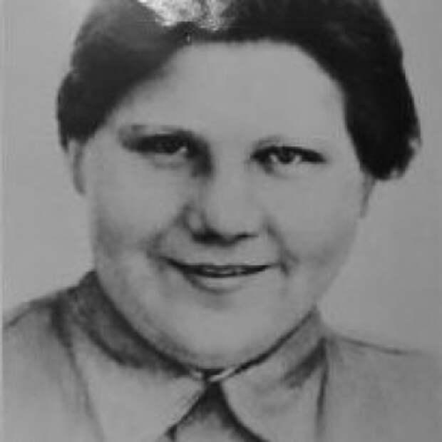 Валентина Похоронена на центральной площади деревни Дармитцель.