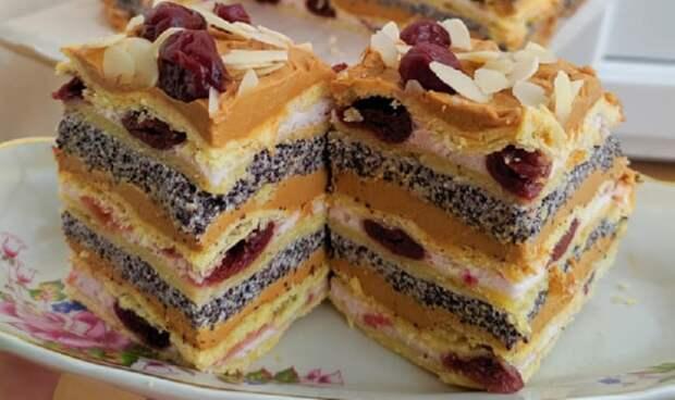 Пляцки и торты, которые стоит приготовить на Пасху: 4 замечательных рецепта
