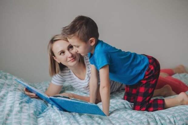 Чтение вслух: в чем польза, как это правильно делать, на что следует обращать внимание родителям и школьникам