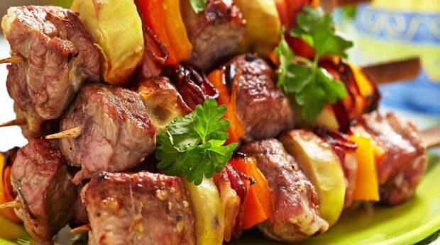 Маринад к шашлыку из свинины: 5 вкуснейших рецептов + соус к мясу