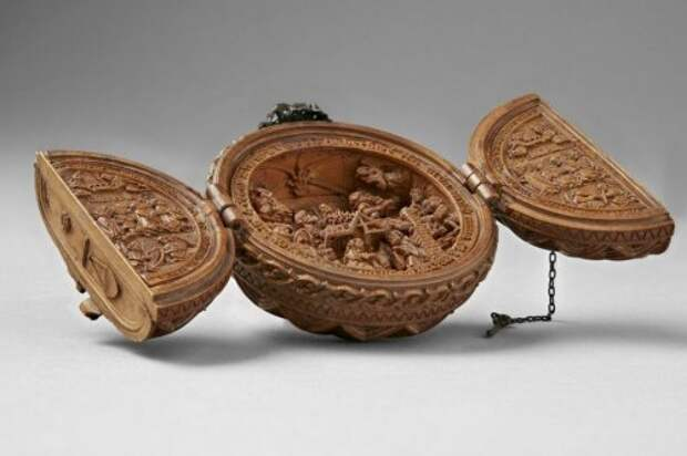Миниатюрные резные изделия XVI века из самшита, тайну которых учёные разгадывают с помощью рентгена (11 фото)
